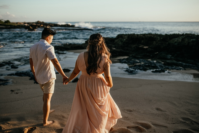 Oahu Couples Photography, couple holding hands next to the water