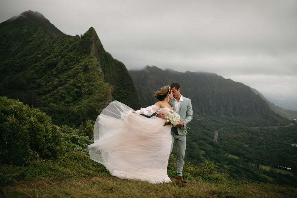 oahu adventure elopement