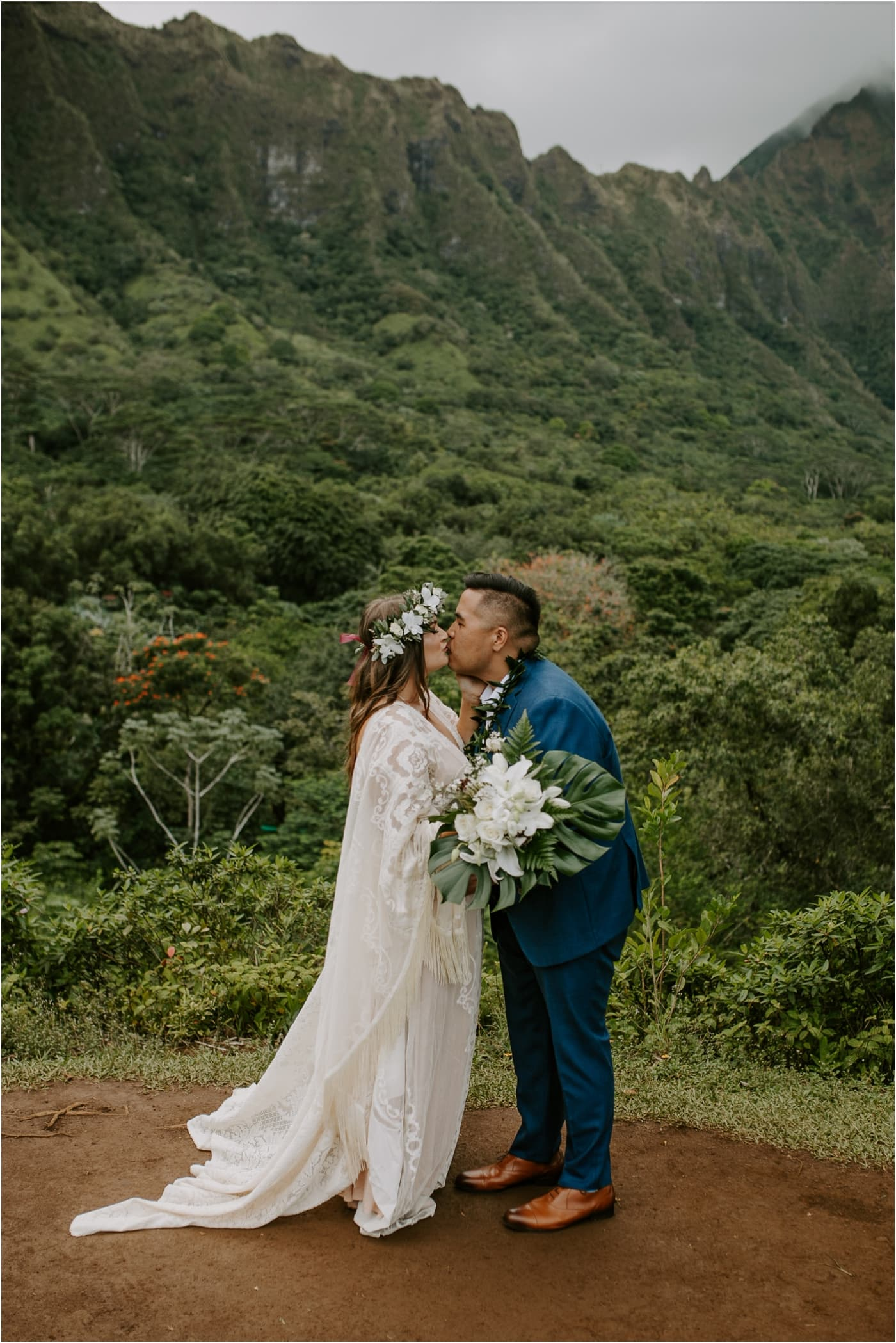 Intimate elopement at a garden in Oahu
