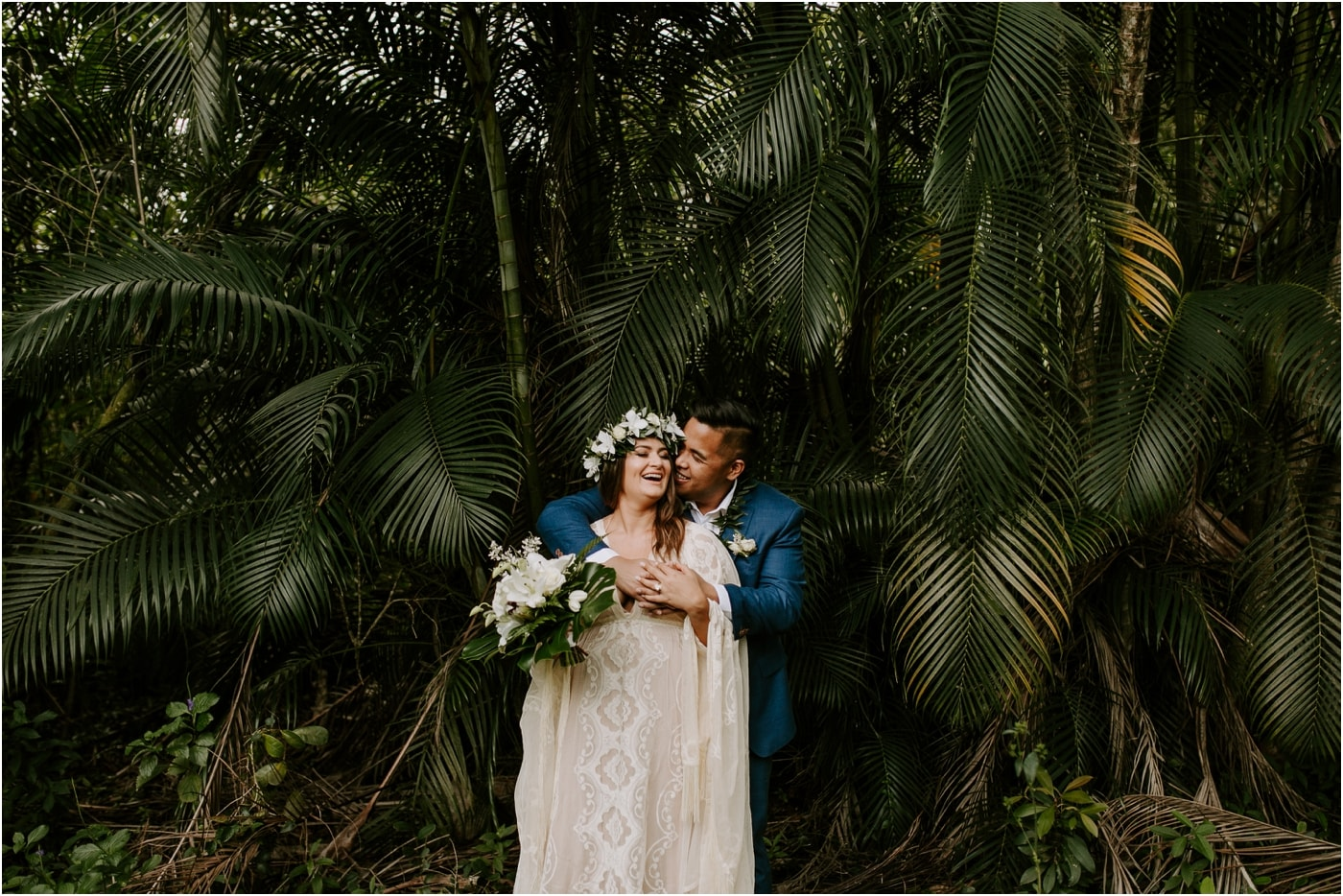Intimate elopement in the mountains of Oahu